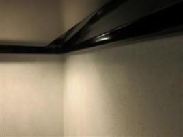 キッチンパネルのビス穴補修です。