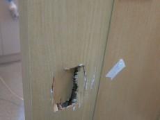 ドア穴補修