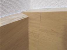 階段ササラ板のジョイント部分を補修