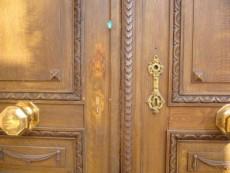 扉の穴埋め