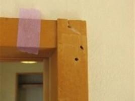 中古マンション 和室白木枠の釘穴補修